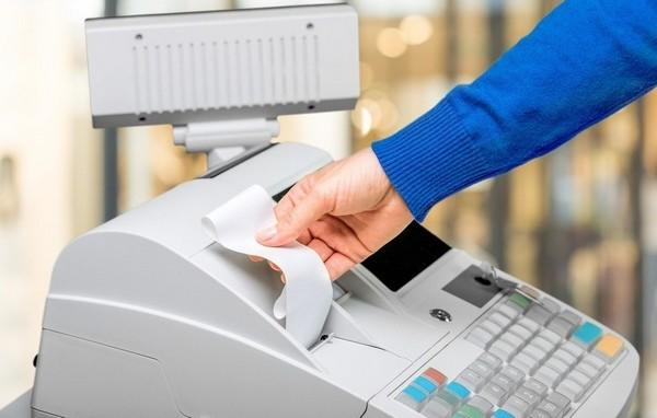 Касса применяется при расчетых наличными, картами и электронными платежными средствами